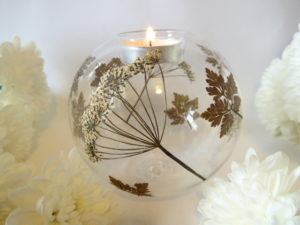 Geranium & cow parsley glass tea light holder