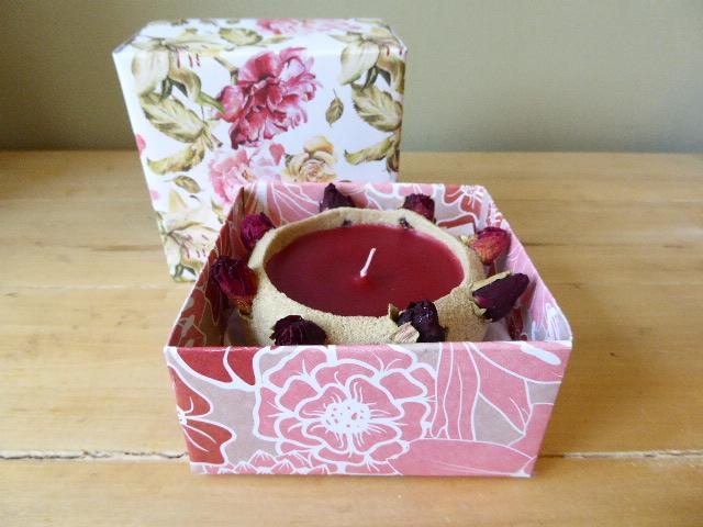 ylang ylang scented rose bud sand candle & gift box