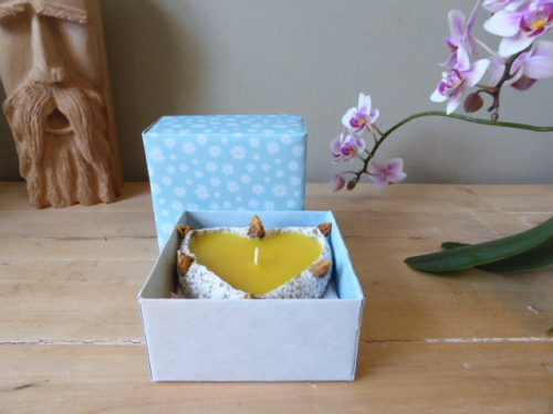 rose scented rose bud sand candle & gift box