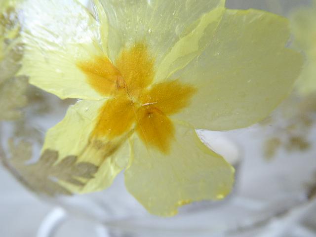 primrose and geranium leaf bauble tea light holder with stand