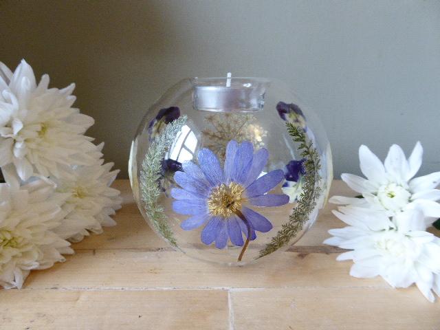 Real flower and foliage glass tea light holder