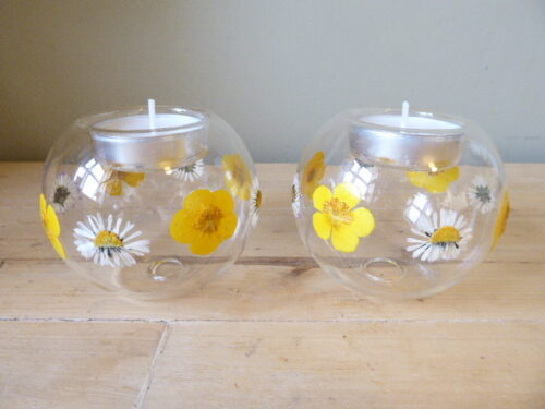 buttercup and daisy tea light holders