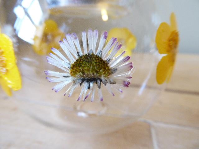 buttercup and daisy tea light holders